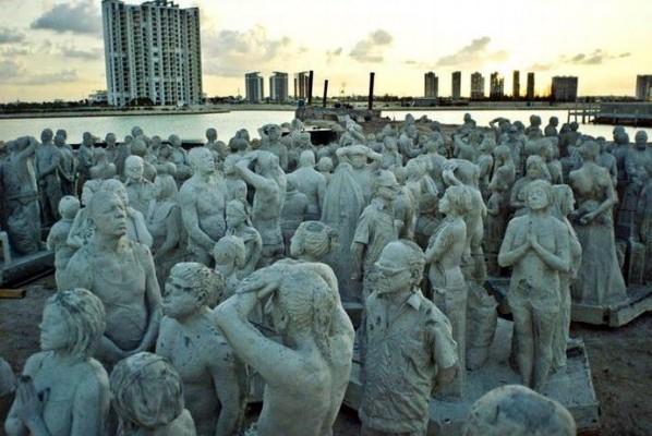 التماثيل-قبل-ان-توضع-في-الماء-..-598x400