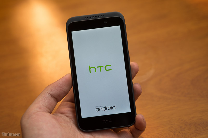 2815400-HTC-Desire-320-6