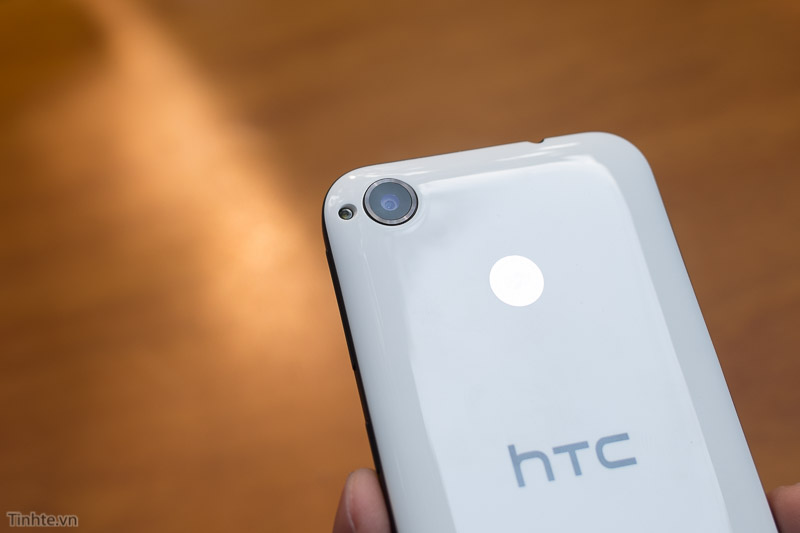 2815405-HTC-Desire-320-13