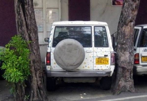 61518_the-worst-parking-jobs-ever-1-600x415