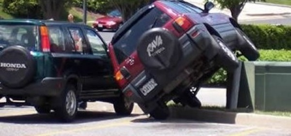 61518_the-worst-parking-jobs-ever-9-600x281