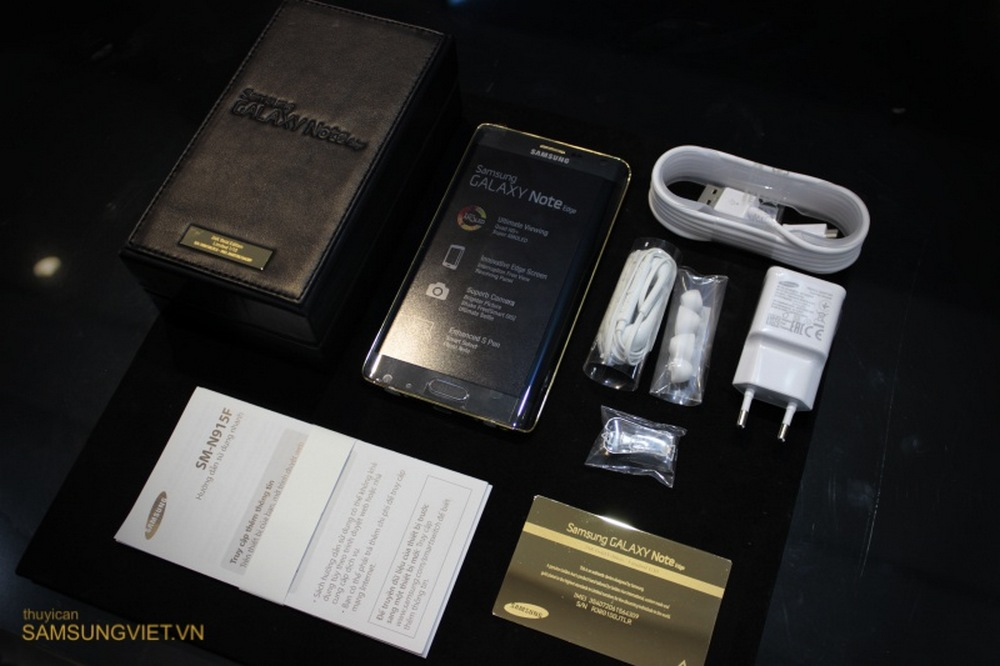 A-closer-look-at-the-gold-version-of-the-Galaxy-Note-Edge (2)