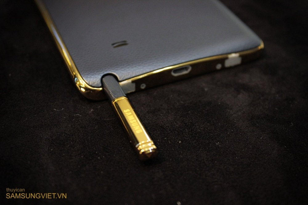 A-closer-look-at-the-gold-version-of-the-Galaxy-Note-Edge (22)