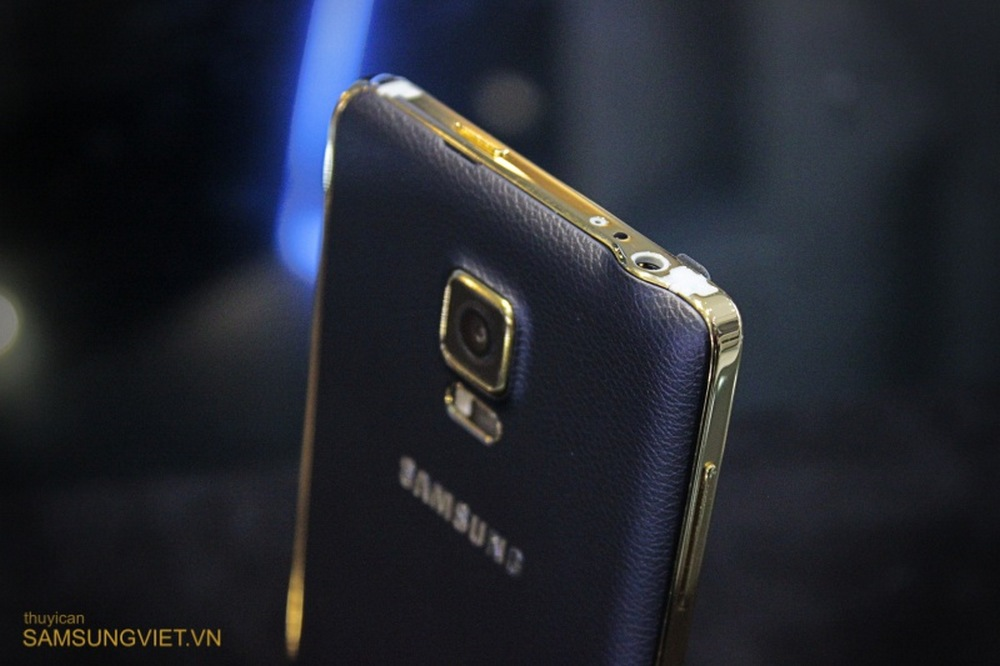 A-closer-look-at-the-gold-version-of-the-Galaxy-Note-Edge (24)