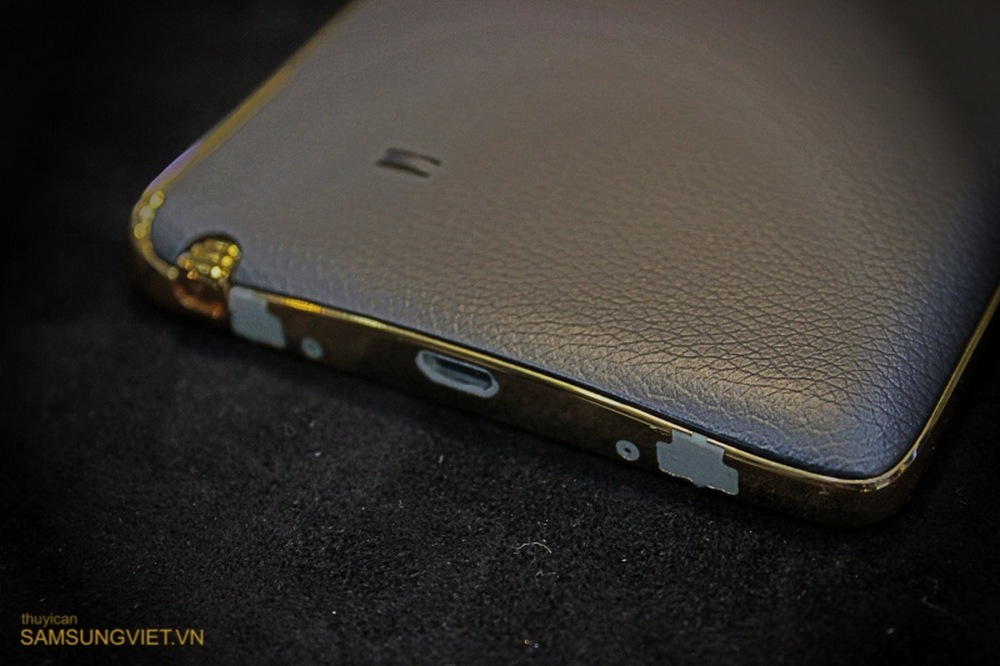 A-closer-look-at-the-gold-version-of-the-Galaxy-Note-Edge (8)