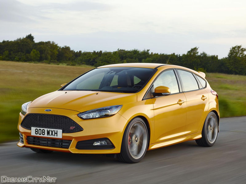 Ford_Focus_ST_2015_01