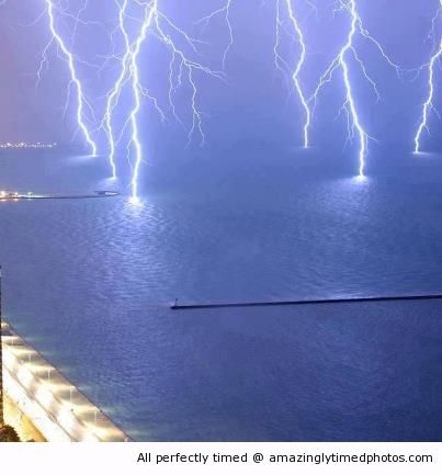 Lightings-Strike-on-Lake-Michigan-resizecrop--