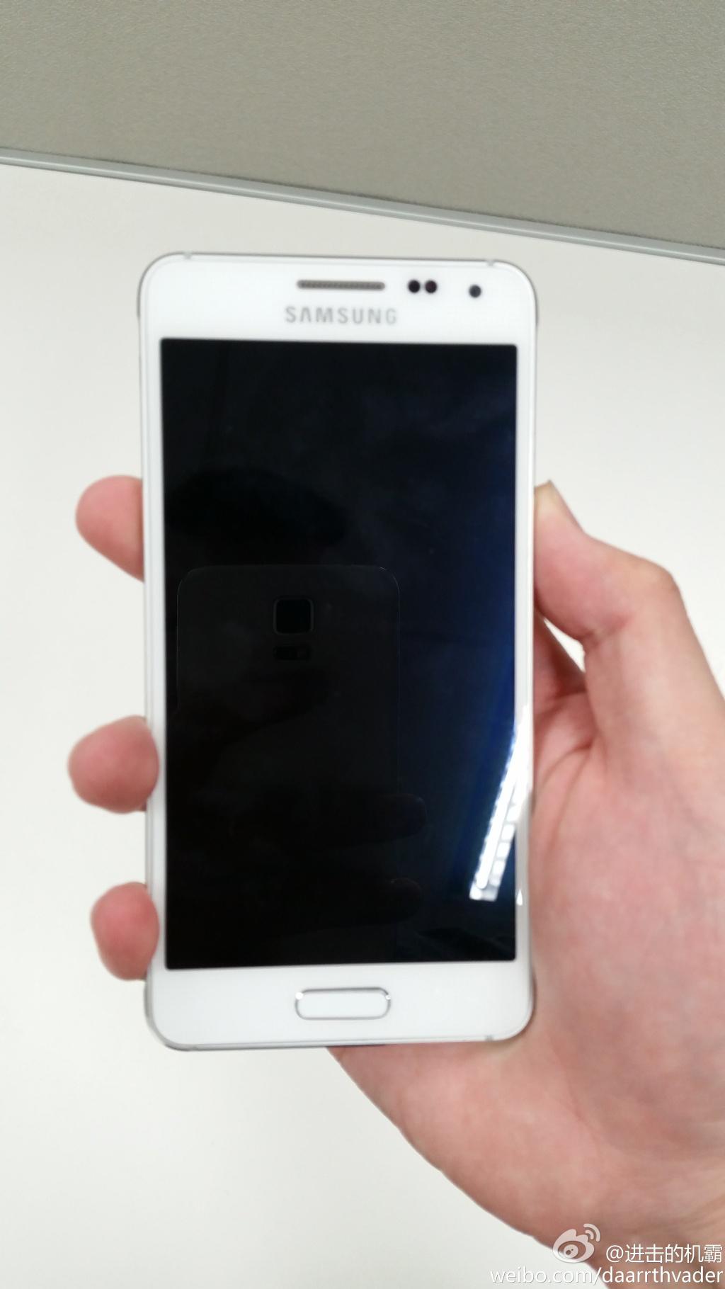 Samsung-Galaxy-Alpha-Blanc-07