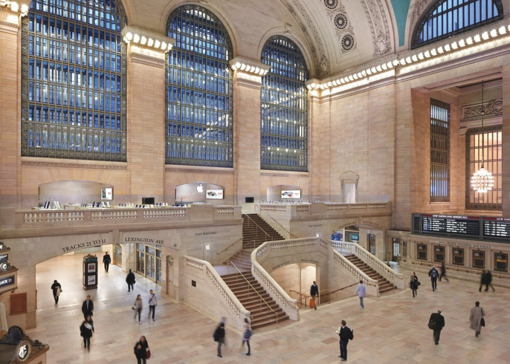 apple-likes-to-build-its-stores-in-classic-structures-in-new-york-it-put-a-retail-store-inside-the-famous-grand-central-terminal