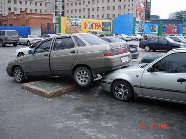 crazy_fun_laughing_cool_images_of_bad_parking_26