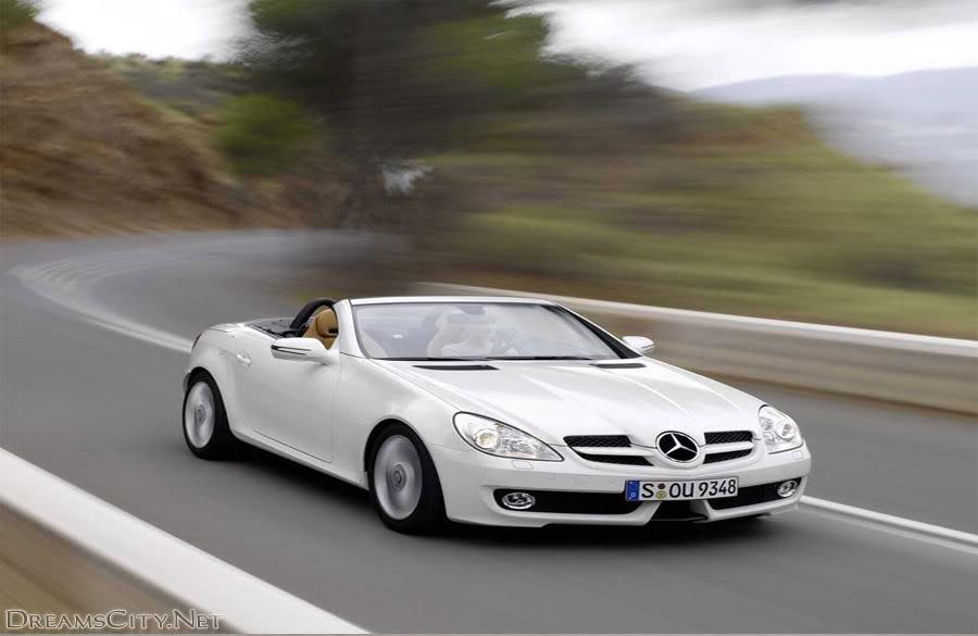 صورة سيارة بنز بيضاء مكشوفة