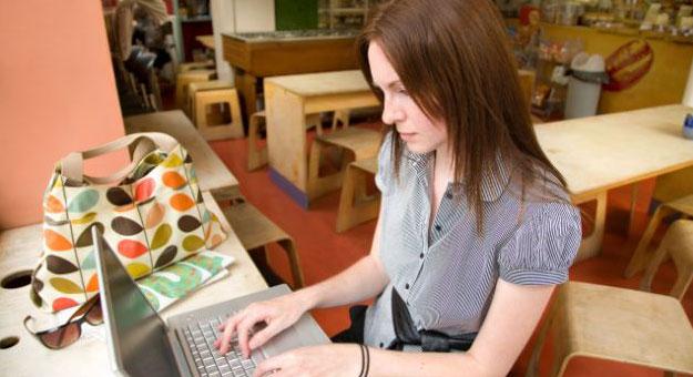 احذر الجلوس على شبكة الانترنت لساعات طويلة