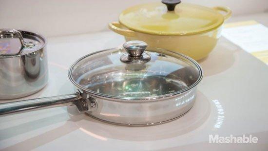 شركة امريكية تبتكر مطبخ ذكي … فيديو