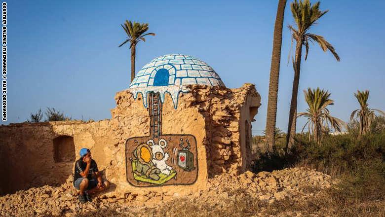 بالصور : قرية في تونس تتحول الى معرض للفنون التشكيلية