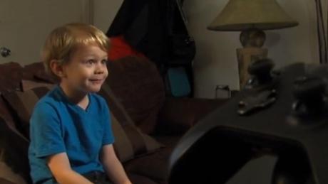اختراق جهاز اكس بوكس بواسطة طفل