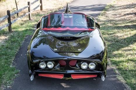 تم بيعها بمبلغ 137 الف دولار : شاهد صور سيارة باتمان الاصلية
