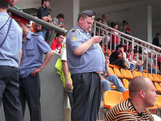 اضحك مع رجال الشرطة حول العالم