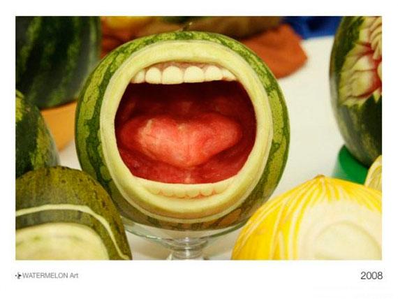 فن الرسم على فاكهة البطيخ