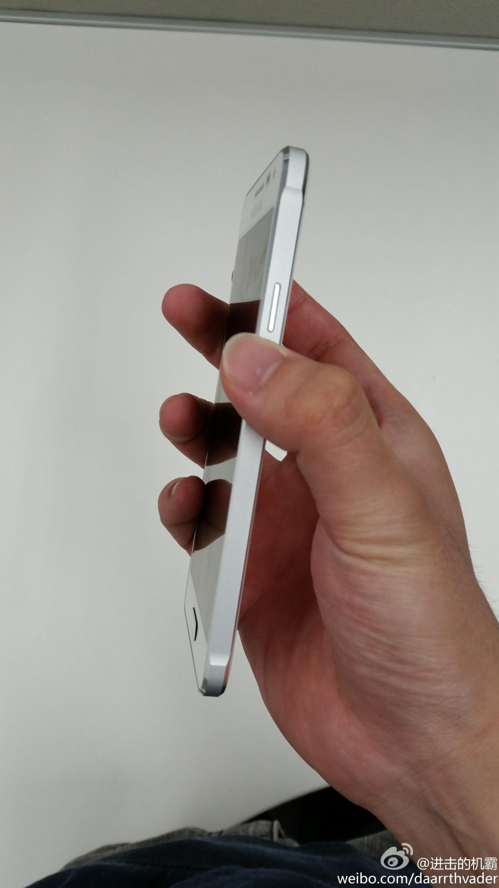 شاهد بالصور : أول هاتف معدني من شركة سامسونج الكورية