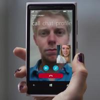 بالفيديو : شاهد مزايا تطبيق سكايب للاتصالات على الويندوز فون 8.1