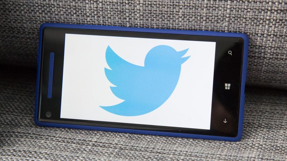 تويتر تتيح لك البحث عن كل التغريدات منذ انشاء الموقع