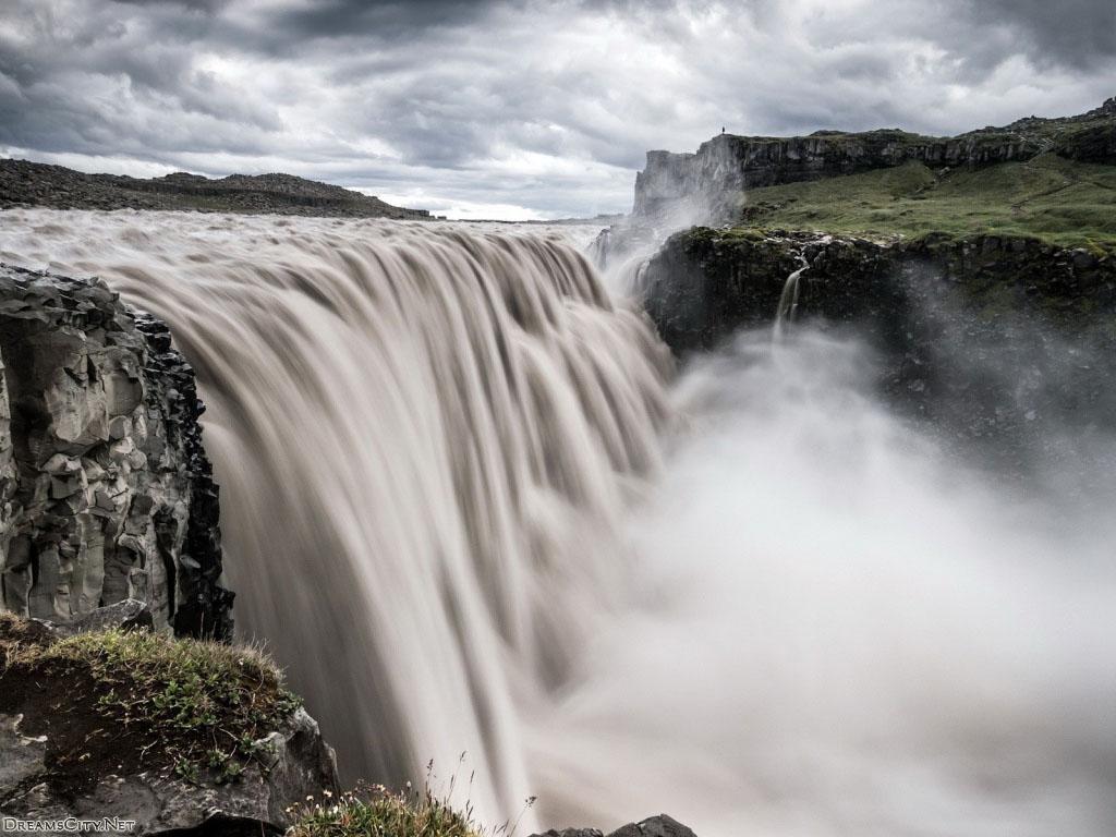 Waterfalls (10)