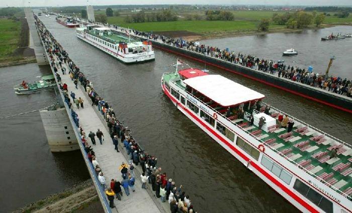 جسر مائي في المانيا يشكل أعجوبة هندسية